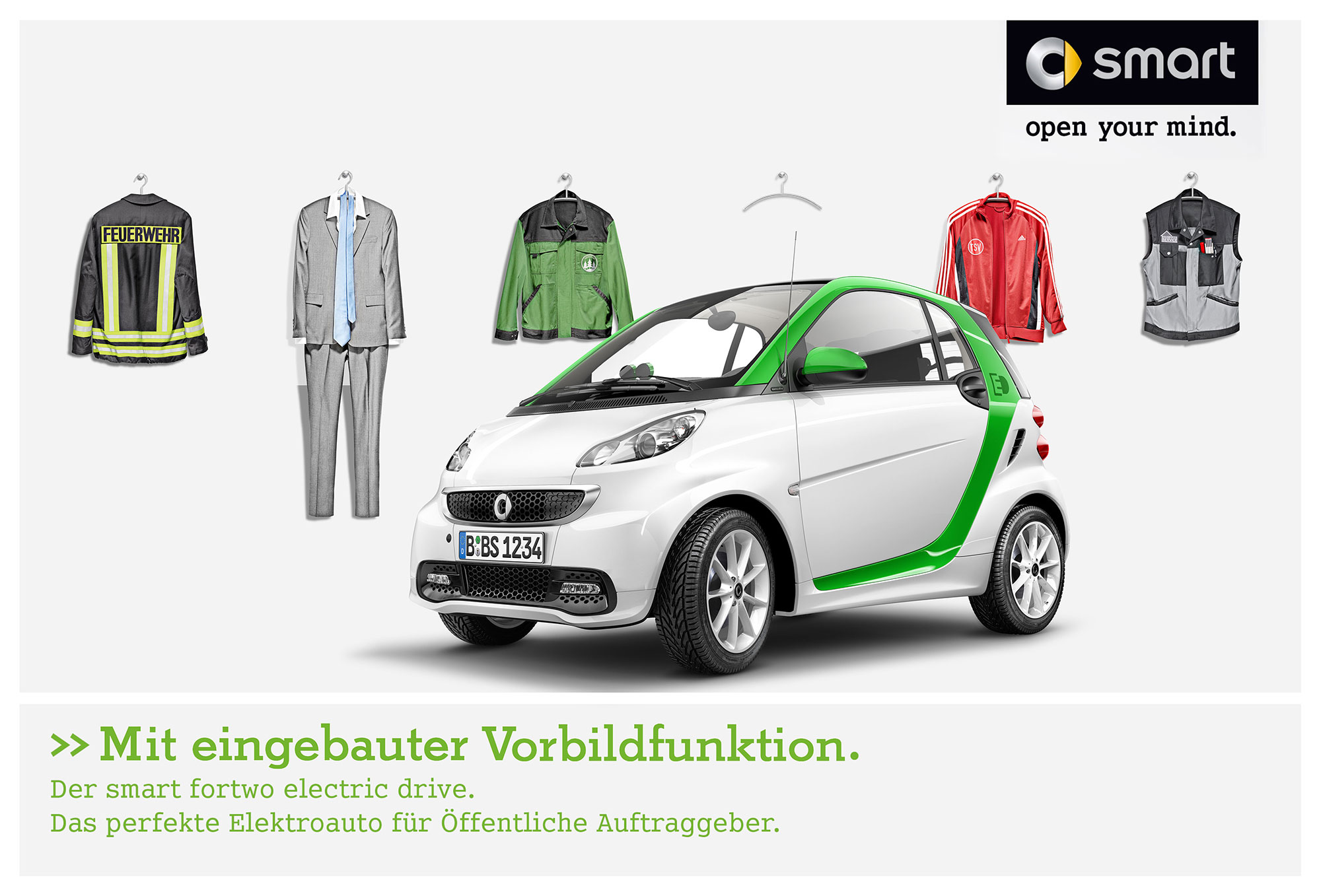 Advertising CGI Rendering 3d Still life Photographie Fotografie Studio Arbeitskleidung Vorbildfunktion Smart Fortwo Electric Drive Transportation Auto Studio Front Idris Kolodziej
