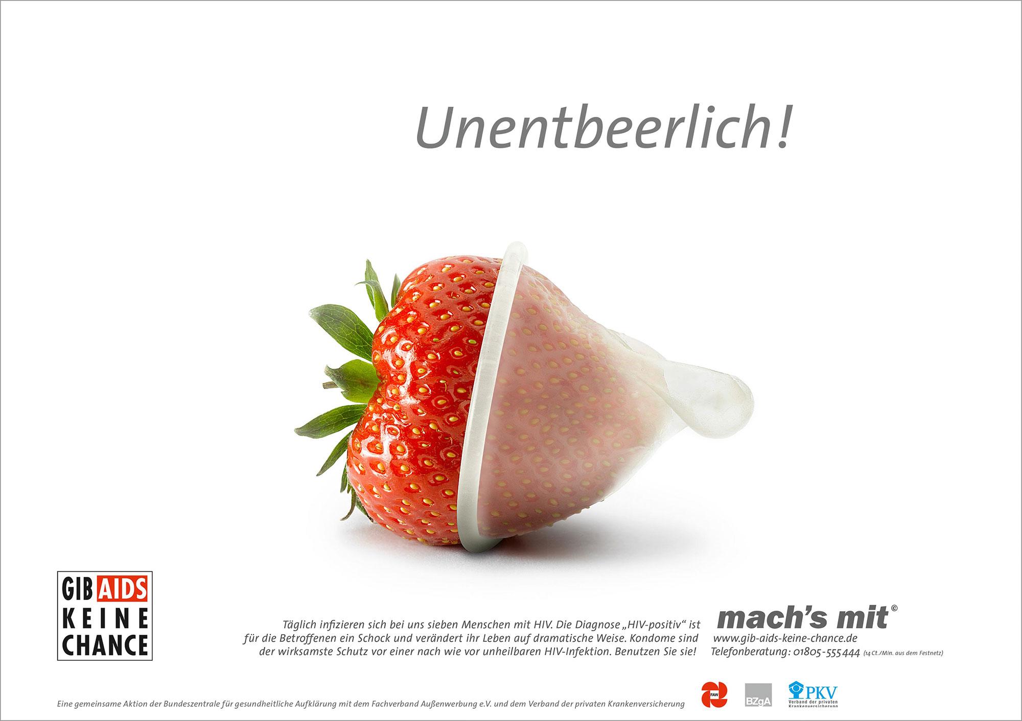 Advertising Still life Photographie Fotografie Studio BZGA mach´s mit AIDS Kampagne Erdbeere Unentbehrlich Kondom Idris Kolodziej